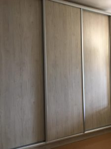 Szafa trzy drzwiowa
